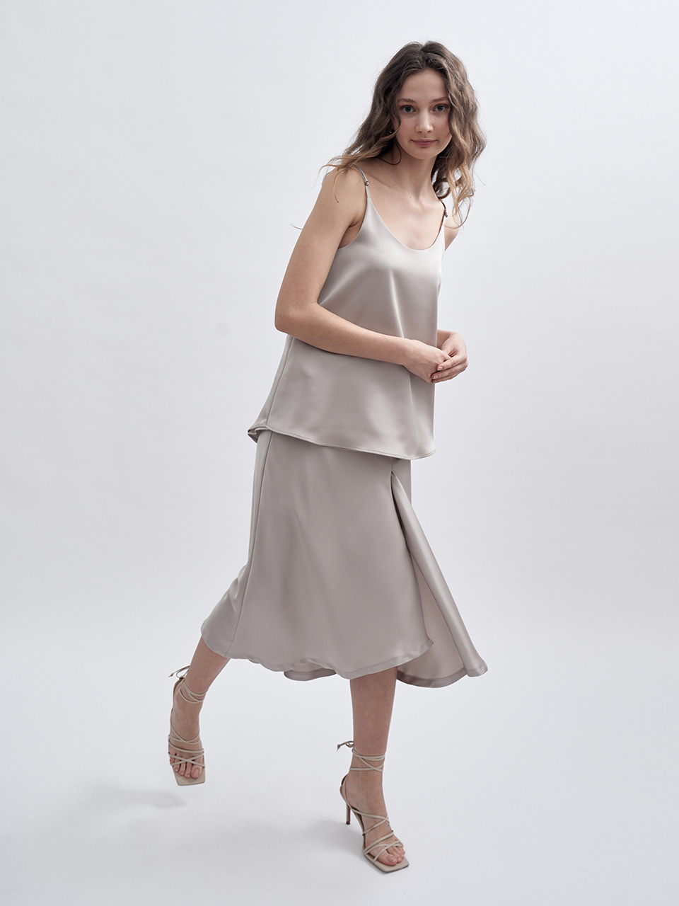 SS UNBALANCED SLIT SATIN SKIRT_BEIGE
