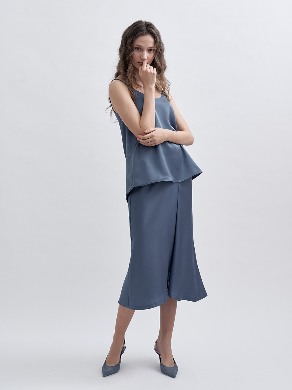 SS UNBALANCED SLIT SATIN SKIRT_BLUE