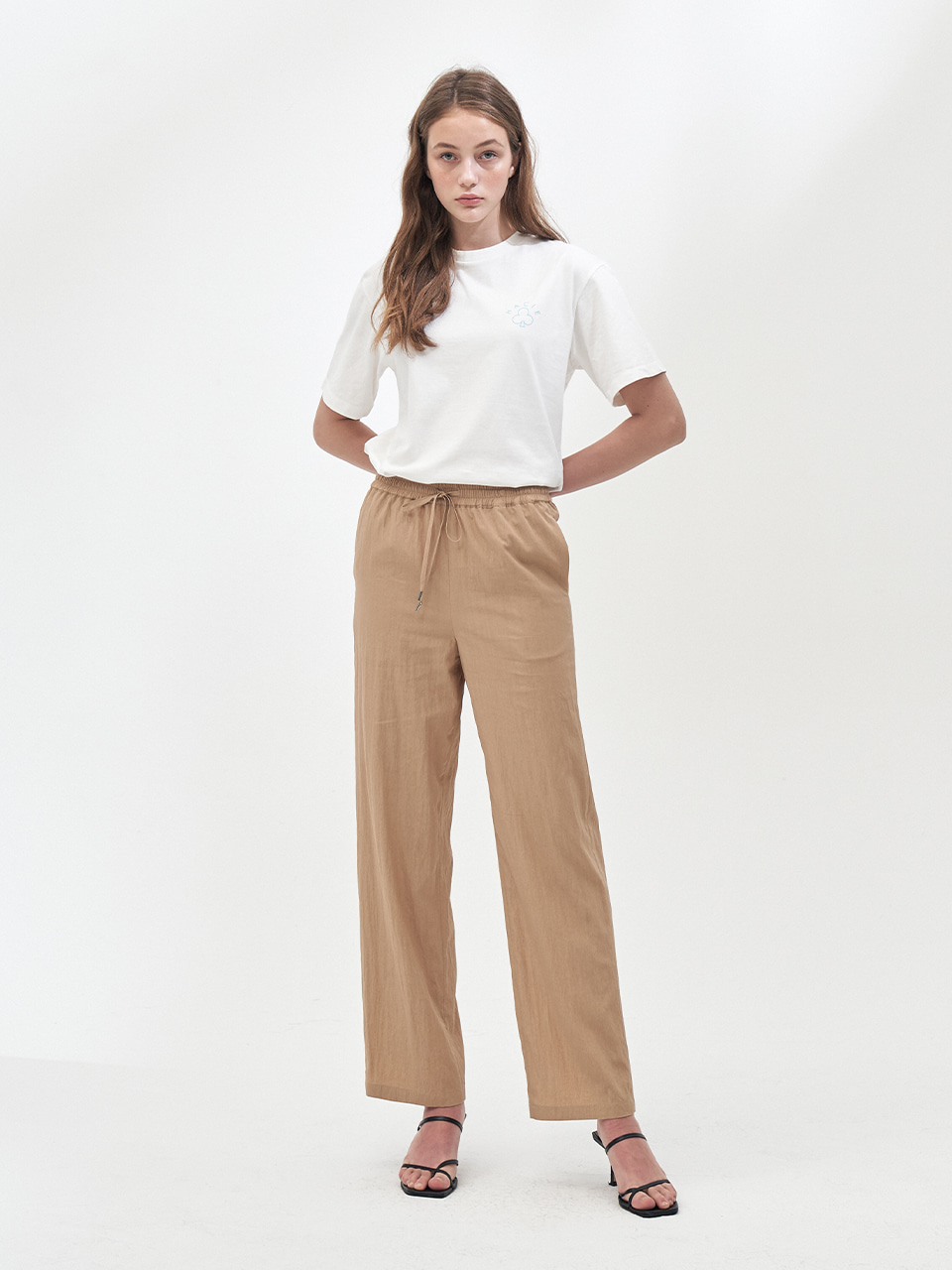 STRING PLEATS LONG PANTS_BEIGE