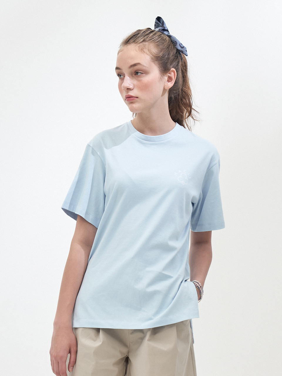 SIDE SLIT CRAYON T-SHIRTS_SKY BLUE