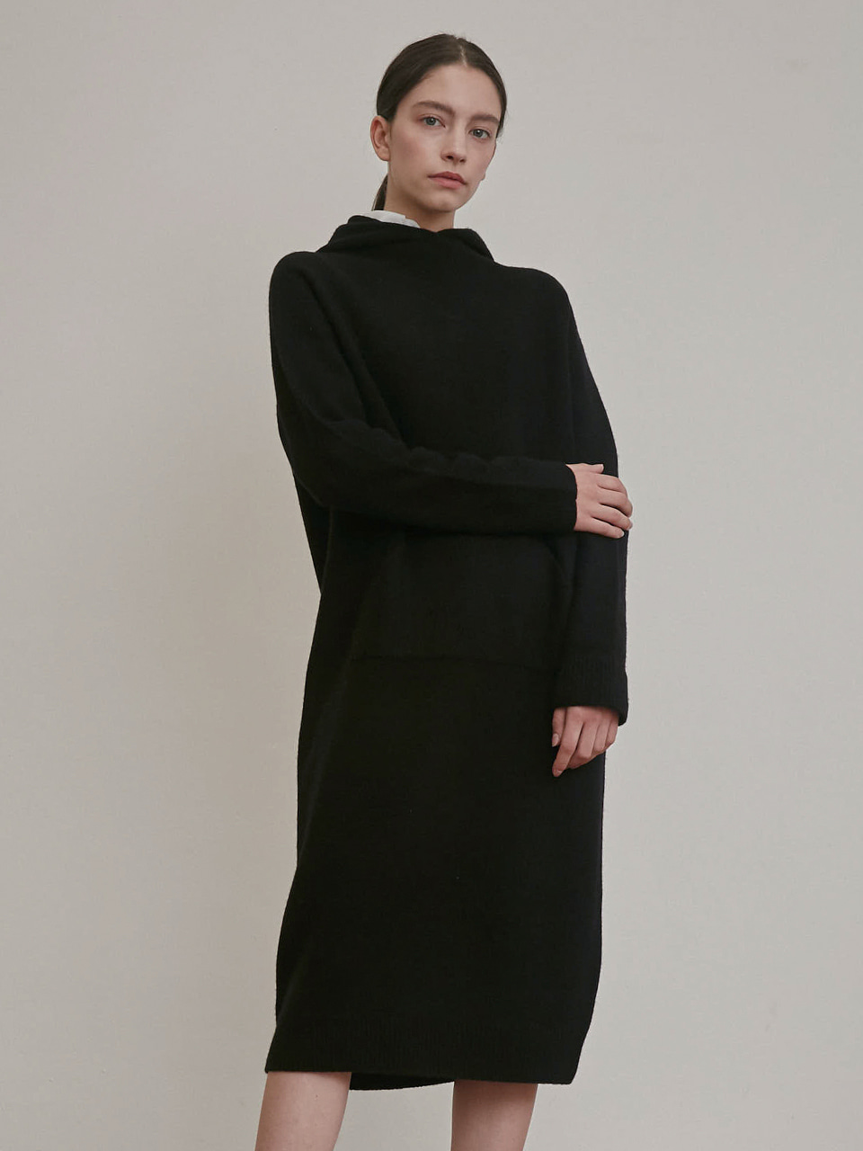 CASHMERE HOODED LONG KNIT DRESS [IVORY] [BLACK]