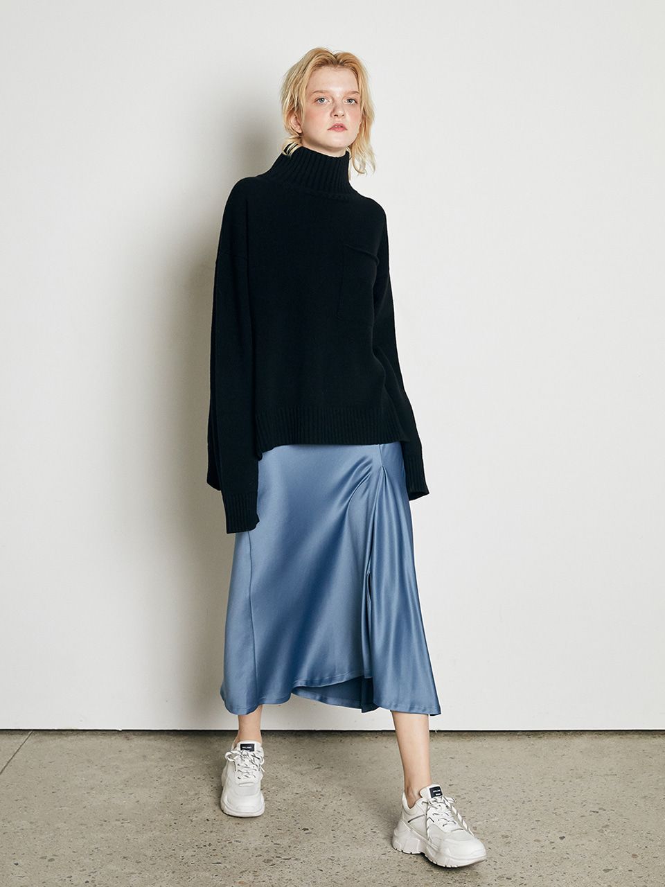 ⓗ UNBALANCED SLIT SATIN SKIRT [BLUE]