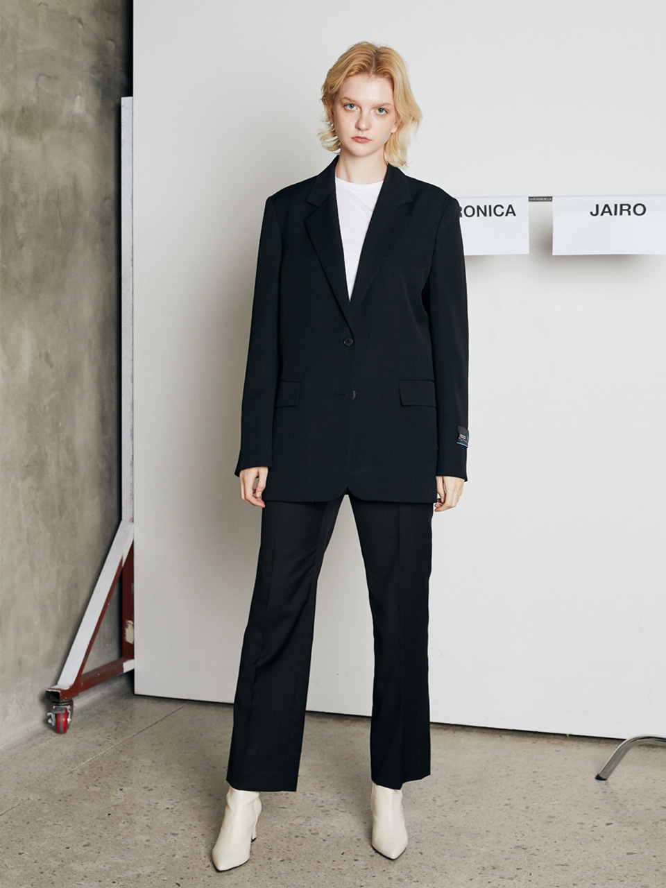 WOOL STRAIGHT TROUSERS [BLACK]