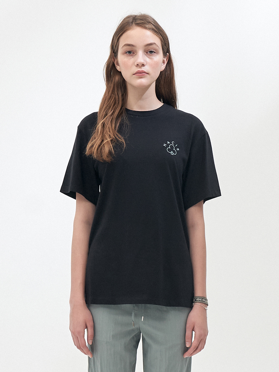SIDE SLIT CRAYON T-SHIRTS_BLACK