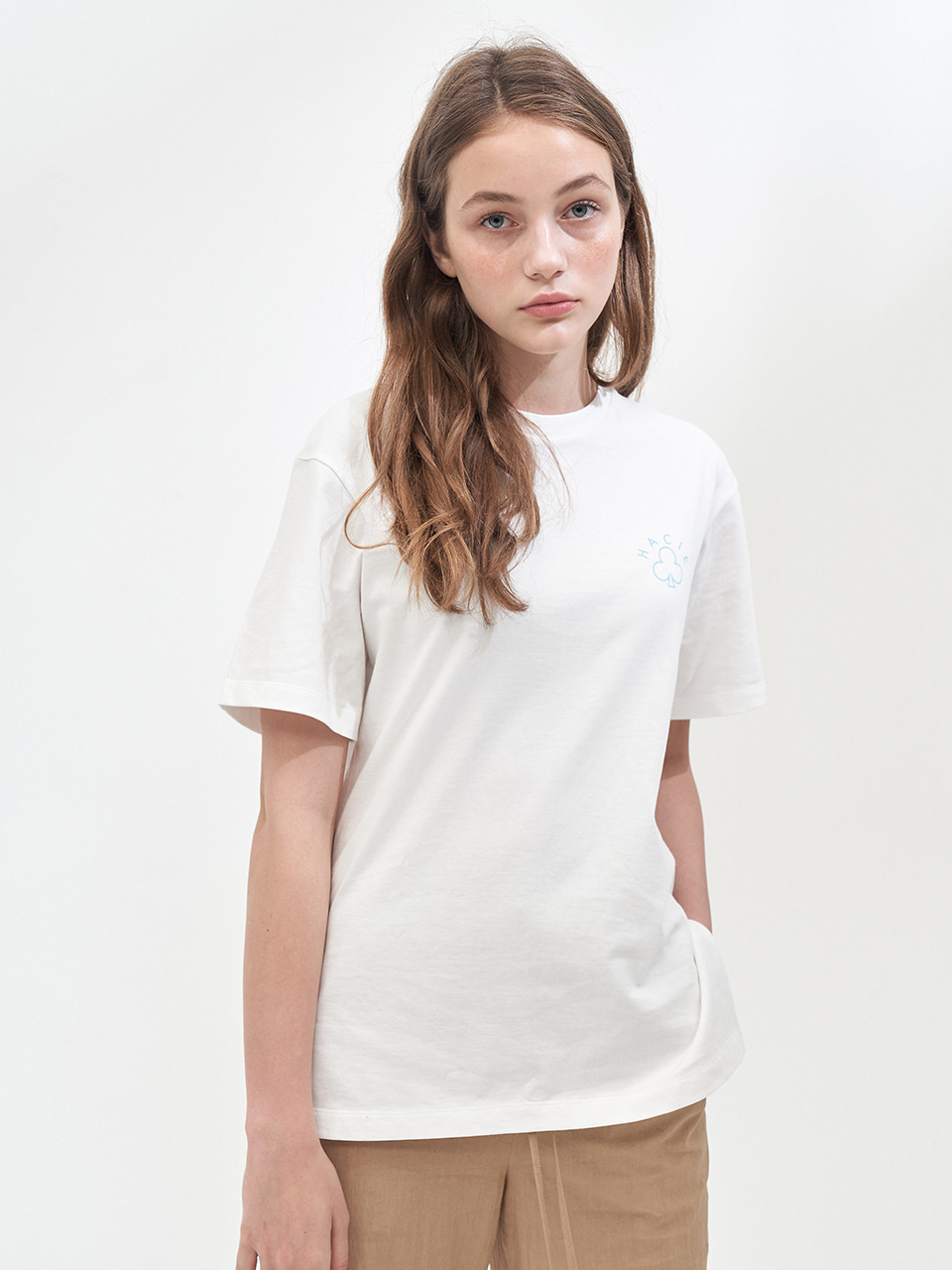 ⓗ SIDE SLIT CRAYON T-SHIRTS_WHITE