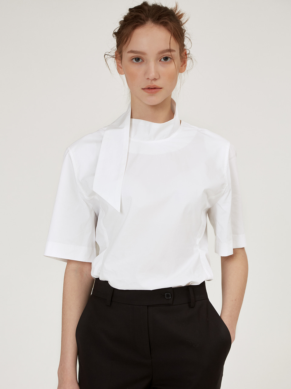 NECK STRAP DETAIL BLOUSE [Black][Ivory]