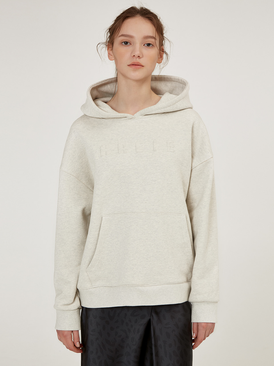 HOODED SIGNATURE EMBOSSED TOP [Oatmeal] [Black]